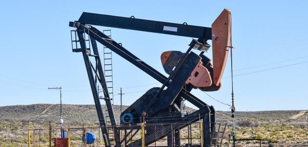 كيفية استخراج النفط من باطن الأرض