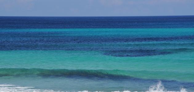 لماذا سمي البحر الأبيض المتوسط بهذا الاسم