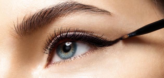طريقة تكحيل العيون