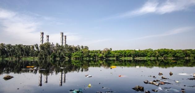 ما هى مصادر تلوث الماء والهواء