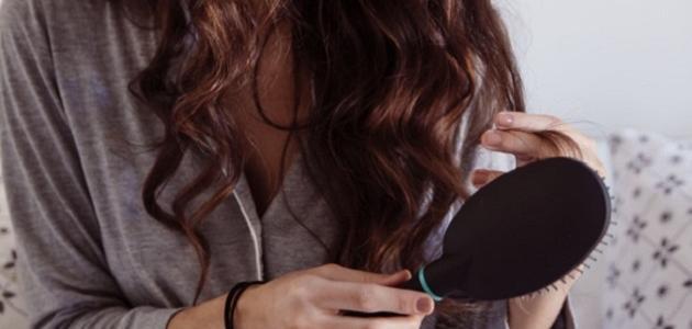 ما هو معدل سقوط الشعر الطبيعي في اليوم
