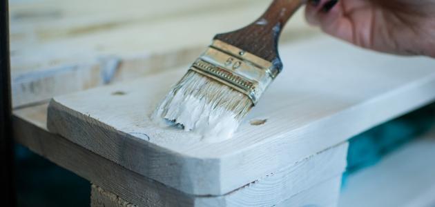 التخلص من رائحة دهان الخشب