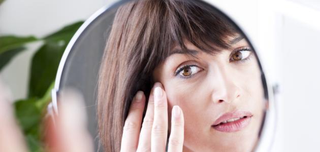 كيفية التخلص من انتفاخ العين عند الاستيقاظ