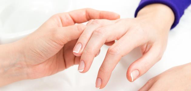 كيفية تنعيم اليدين والقدمين