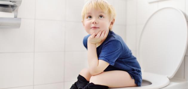 كيفية تعويد الأطفال على دخول الحمام
