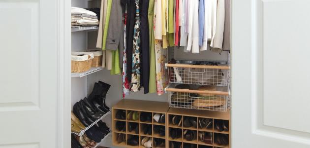 كيفية تنظيم الملابس في الدولاب
