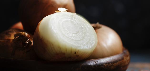 فائدة قشر البصل للشعر