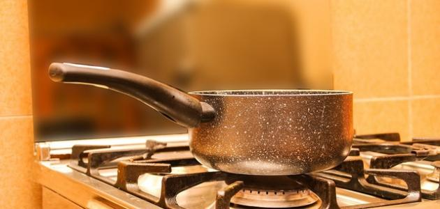 كيفية تنظيف الغاز من الدهون