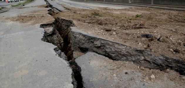 ما هي علاقة الزلازل بتكتونية الصفائح