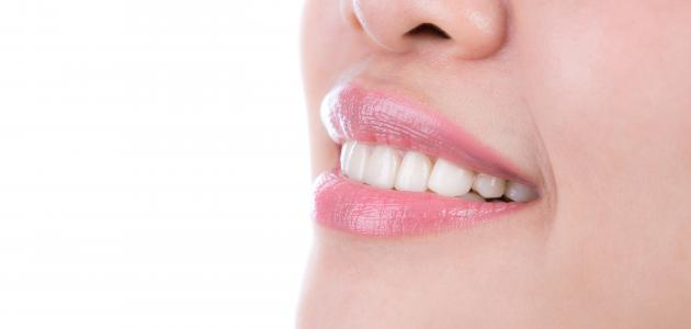 لتبيض الأسنان من الاصفرار