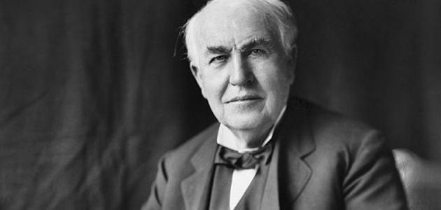 ما هو اسم مخترع المصباح الكهربائي
