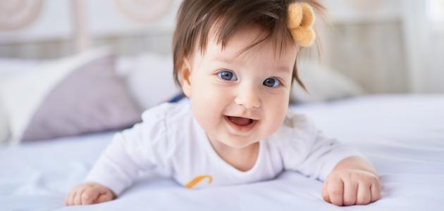 كيفية العناية بشعر الطفل حديث الولادة