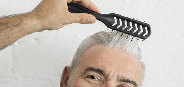 ما سبب بياض الشعر