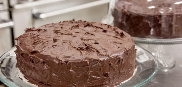 كيفية صنع كيكة الشوكولاته بسيطة