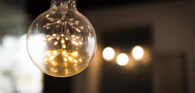 من هو مخترع المصباح الكهربائى