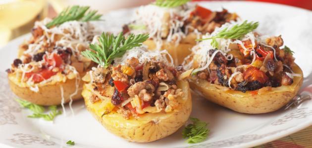 ما هي طريقة عمل صينية البطاطس بالفراخ