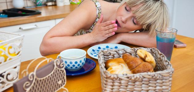 ما أسباب النوم بعد الأكل