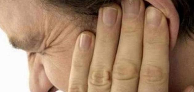 ما أسباب الطنين في الاذن