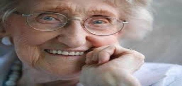 الطبيب و المرأة العجوز