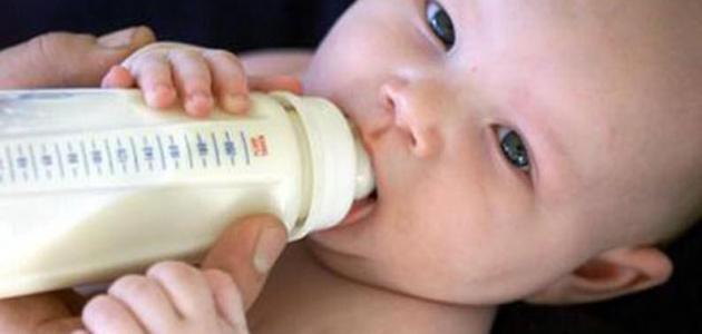 كيفية تغذية الطفل فى الشهر الرابع
