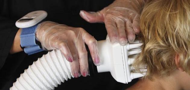 كيفية إزالة بيض القمل من الشعر