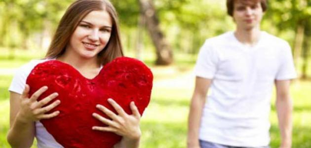 ما علامات الحب الحقيقي عند الرجل