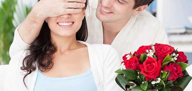 ما علامات حب الرجل للمرأة