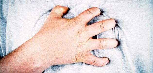 ما هي أعراض الذبحة القلبية