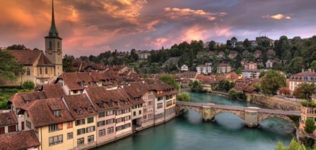 أين تقع سويسرا