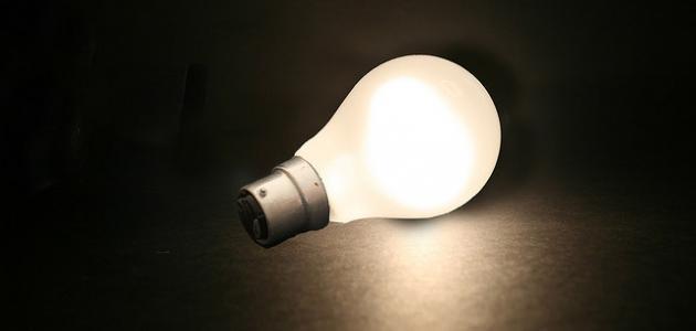 من إكتشف الضوء