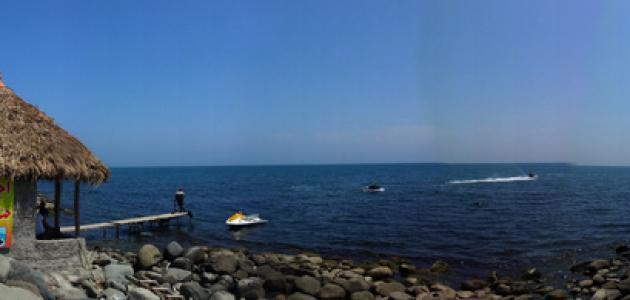 أين يقع بحر قزوين