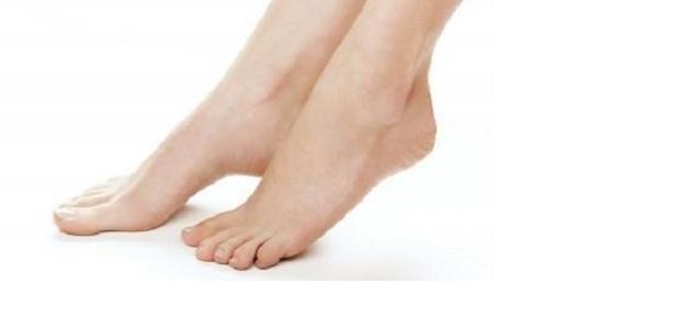 ما هي أسباب تورم القدمين أثناء الحمل