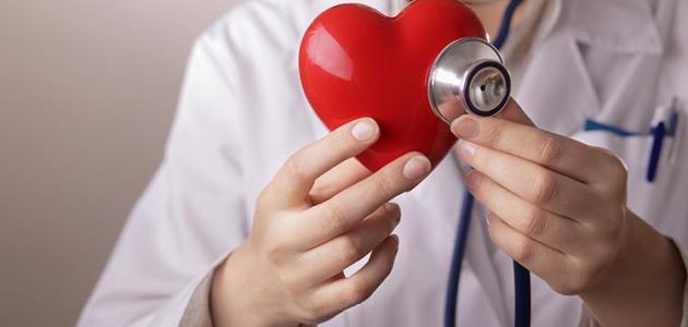 ما هو عدد دقات القلب الطبيعية