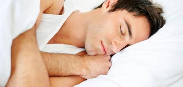 ما هو سبب الرعشة أثناء النوم