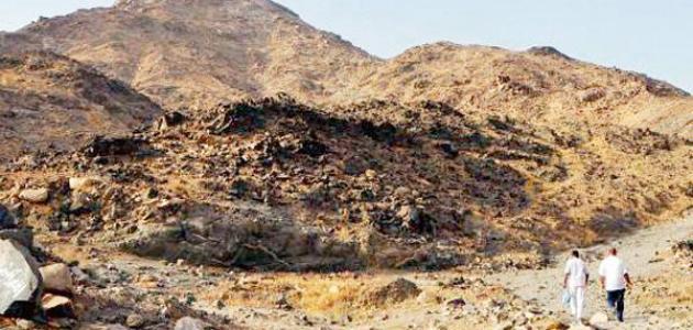 أين يقع جبل ثور