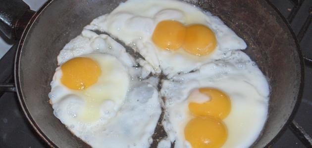 طريقة قلي البيض