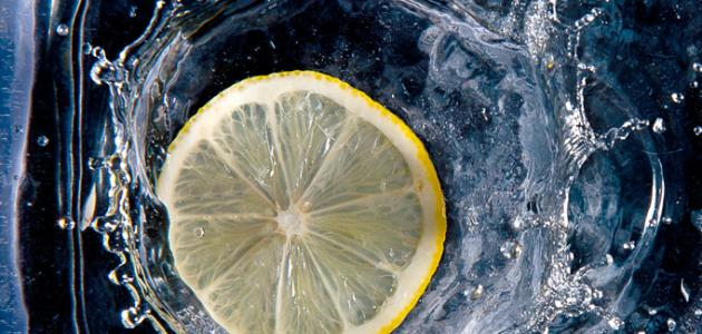 فوائد الماء مع الليمون