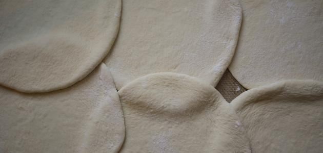 طريقة عجينة الخبز