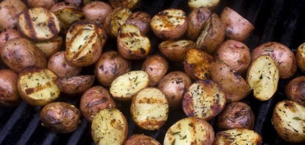 طريقة شوي البطاطا