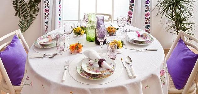 طريقة ترتيب طاولة الطعام موضوع