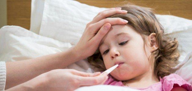أفضل طريقة لخفض الحرارة عند الأطفال