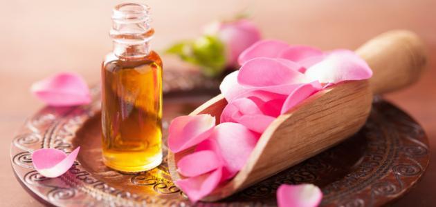 فوائد زيت الورد للجسم