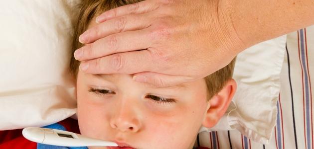 طرق خفض الحرارة للأطفال