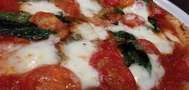 أسرع طريقة لعمل صلصة البيتزا