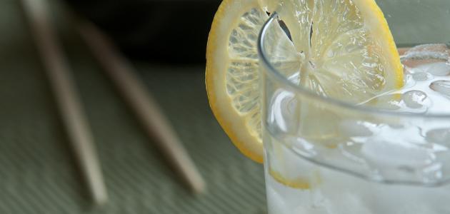 فوائد الليمون بالماء