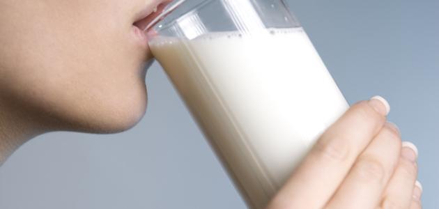 فوائد شرب اللبن للبشرة