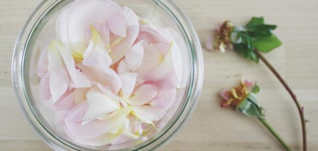 طريقة تحضير ماء الورد