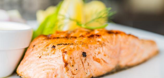 طريقة تحضير سمك السلمون بالفرن