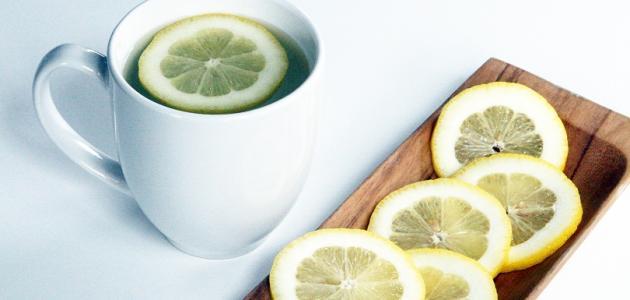 فوائد الماء الدافئ والليمون