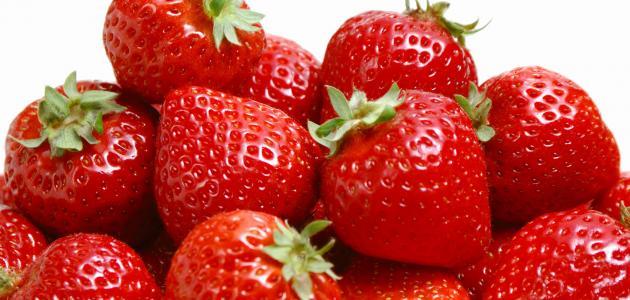 فوائد عصير الفراولة للبشرة